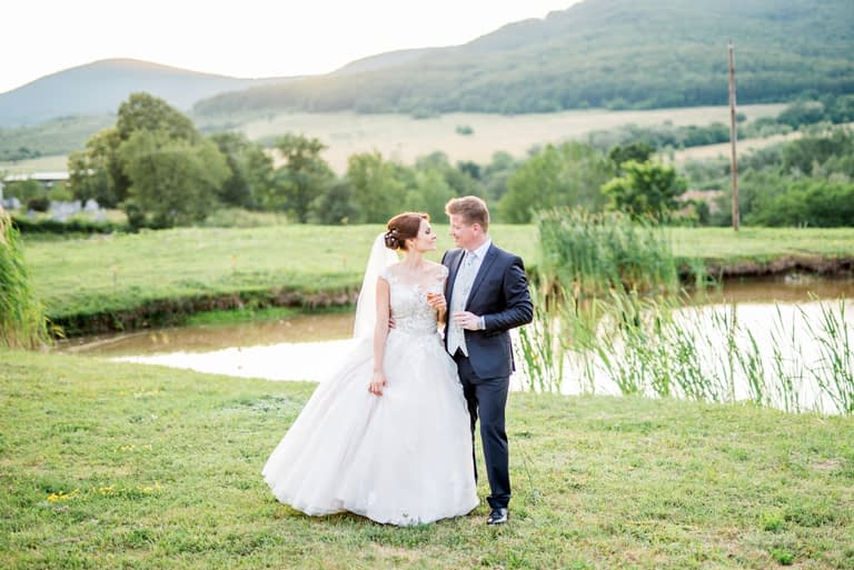vidéki  álomszép esküvő52